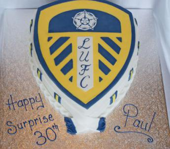 Leeds Utd Badge Sugar N Spice Cakes